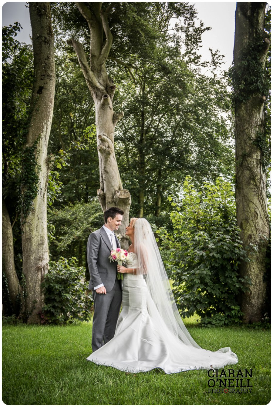 Clare & Mark's wedding at Darver Castle by Ciaran O'Neill Photography 10